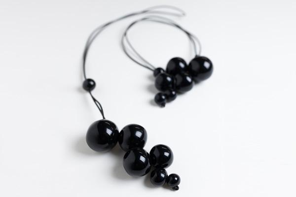 Costellazione sottacqua collana nera ceramica